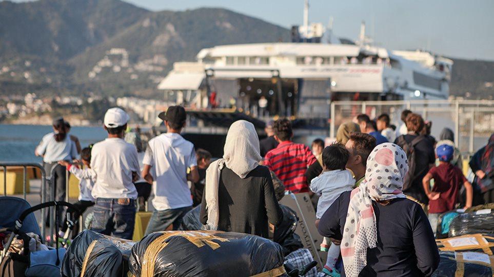 Προσφυγικό: Στη βόρεια Ελλάδα μεταφέρονται οι 1500 μετανάστες από τη Λέσβο
