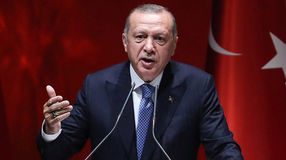 Ανοιχτός εκβιασμός Ερντογάν: Θα ανοίξουμε τις πύλες με τους μετανάστες αν δεν...