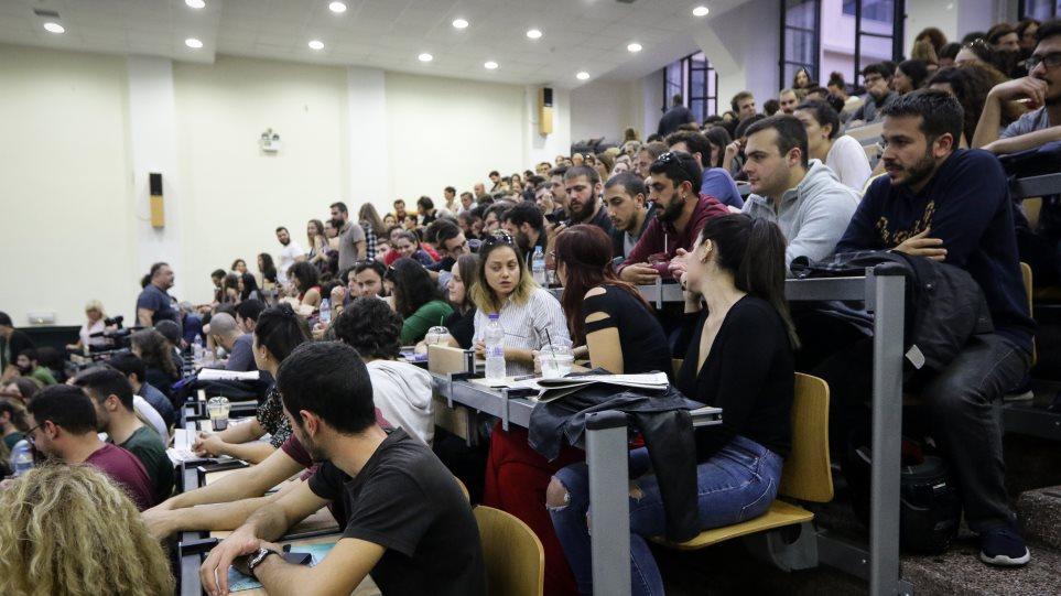 Πρώτη η Ελλάδα στην ΕΕ σε άνεργους πτυχιούχους το 2018 σύμφωνα με την ΓΣΕΕ