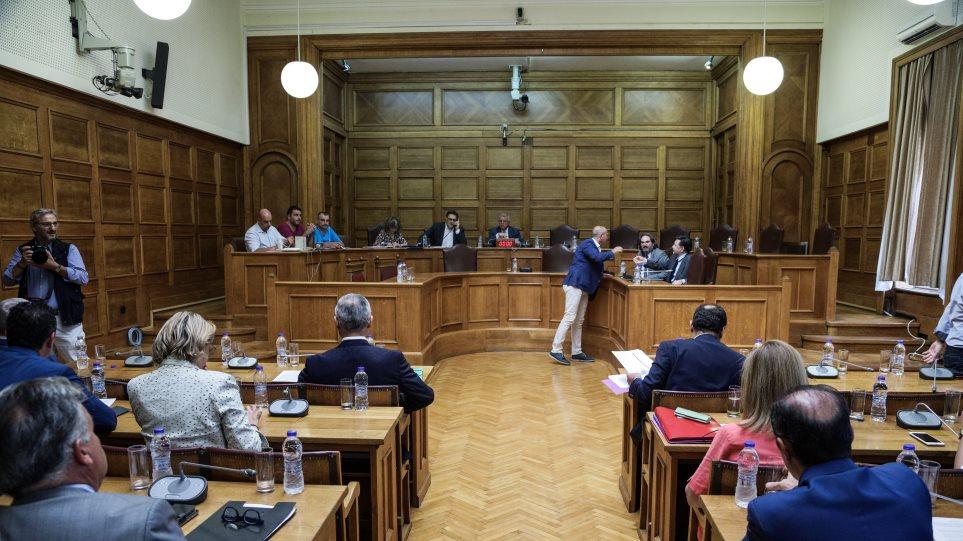 Πληγέντες από το Μάτι στη Βουλή: Σε ένα χρόνο εκδόθηκαν μόλις τρεις συντάξεις χηρείας!
