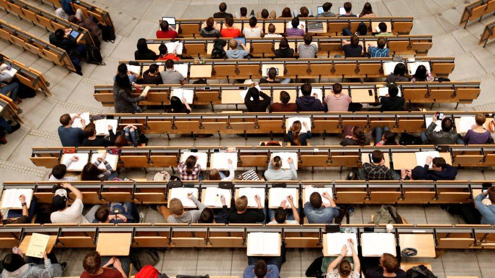 Άνεργοι οι Έλληνες παρά τα πτυχία και τα μεταπτυχιακά σύμφωνα με τον ΟΟΣΑ