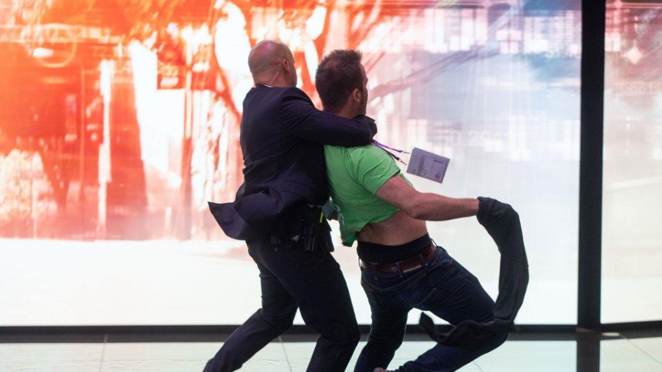 aktivistis-merkel-sosto