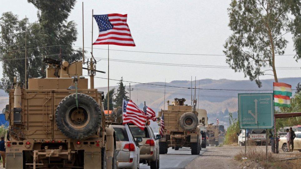 Συρία: Κούρδοι πετούν πατάτες στα αμερικανικά στρατεύματα που αποχωρούν