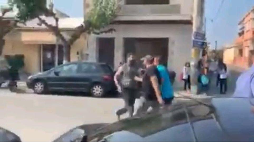 Φραστική επίθεση στον Τσίπρα στα Χανιά: «Πουλημένε... σήκω και φύγε!» (βίντεο)
