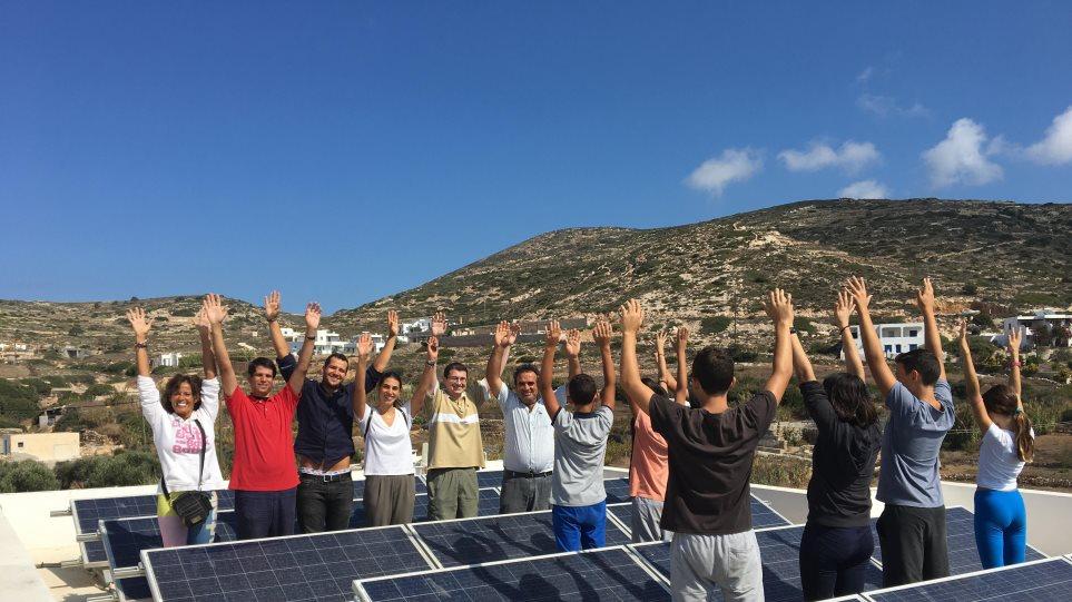 Donousa_Gymnasio-fotovoltaiko