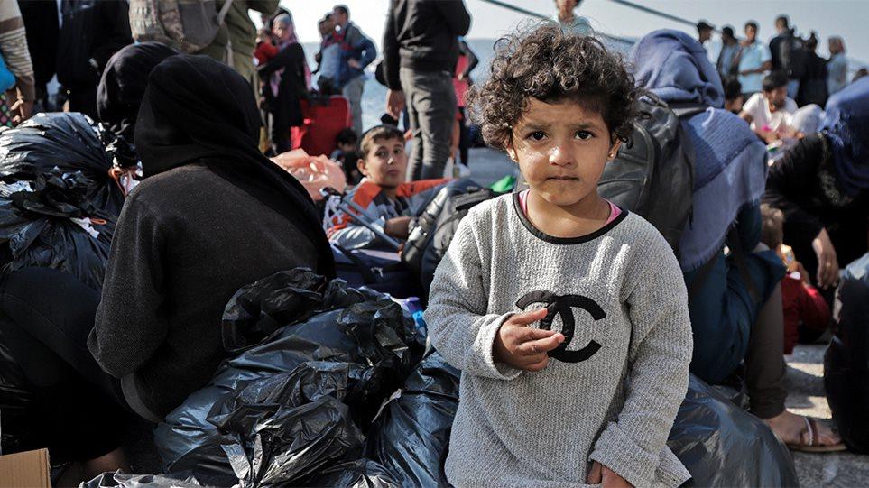 Πρόσφυγες: Άσυλο μόνο σε όσους πληρούν τα κριτήρια εισηγείται ο Χρυσοχοΐδης