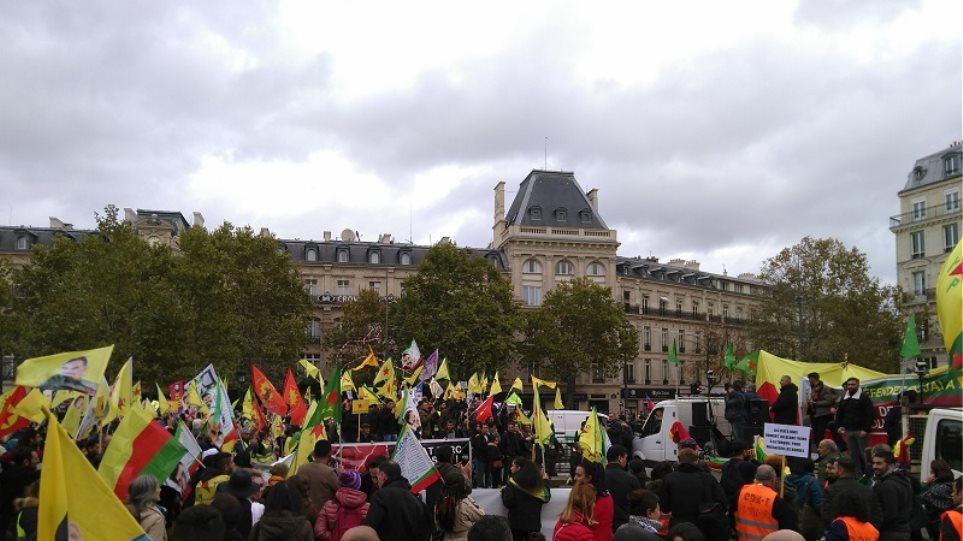 Γαλλία: Εκατοντάδες Κούρδοι διαδήλωσαν ζητώντας κυρώσεις κατά της Τουρκίας