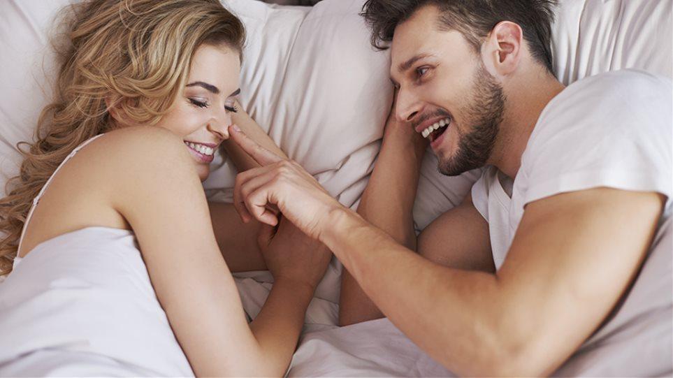 Τι σημαίνει όταν ονειρεύεσαι ότι το αγόρι σου βγαίνει με κάποιον άλλο