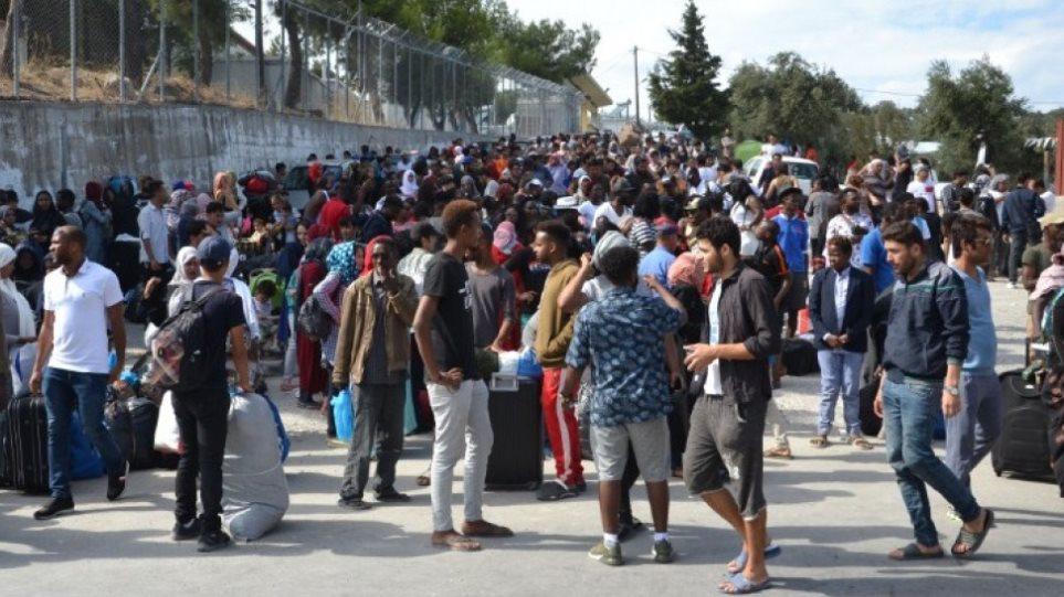 Διδυμότειχο: Δασκάλα έπεσε σε μπλόκο μεταναστών - «Κρύβονται στα δέντρα και πετάγονται μπροστά μας»