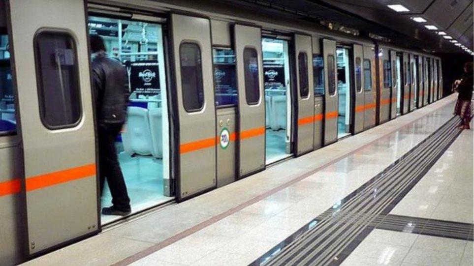 Μετρό: Σχεδιάζεται παράταση ωραρίου για τις γιορτές των Χριστουγέννων