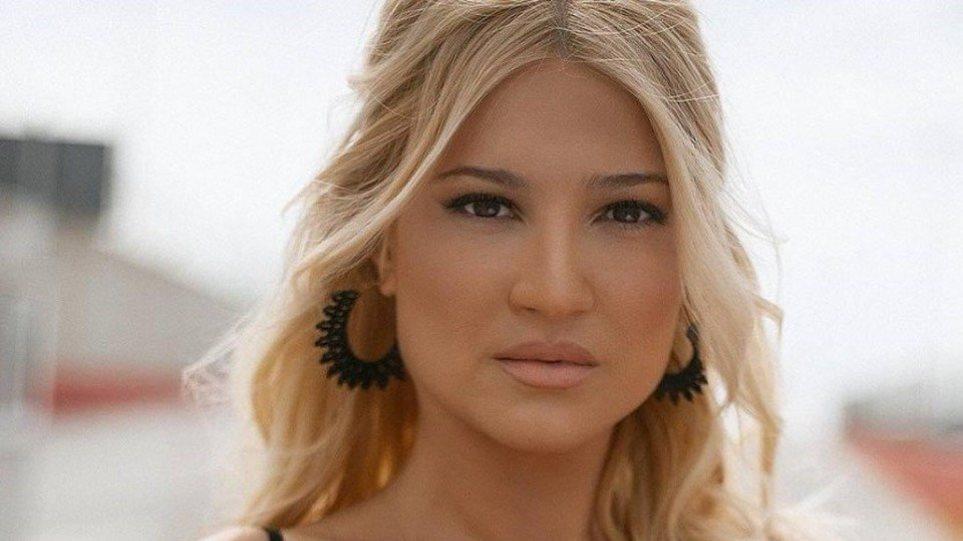 Θύμα απάτη έπεσε η Φαίη Σκορδά - Όσα ξεκαθάρισε on air (VIDEO)