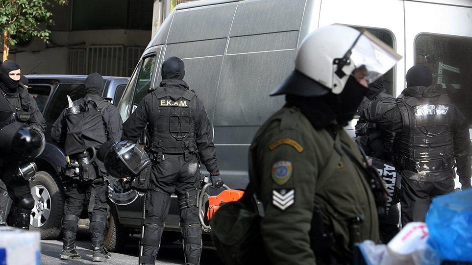 Μεγάλη επιχείρηση της Αντιτρομοκρατικης στην Αθήνα