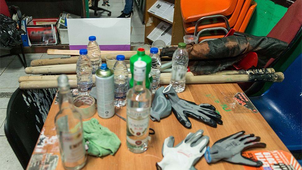 ΑΣΟΕΕ: Βρήκαν «επιχειρησιακό στρατηγείο» στο υπόγειο - Φωτογραφίες από τα ευρήματα
