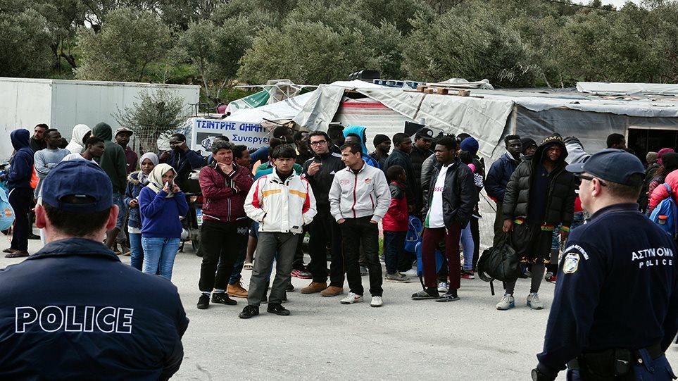 Μεταναστευτικό: Στα όριά της η Ελλάδα - Με πακέτο μέτρων και δέκα κλειστά κέντρα μεταναστών απαντά η κυβέρνηση