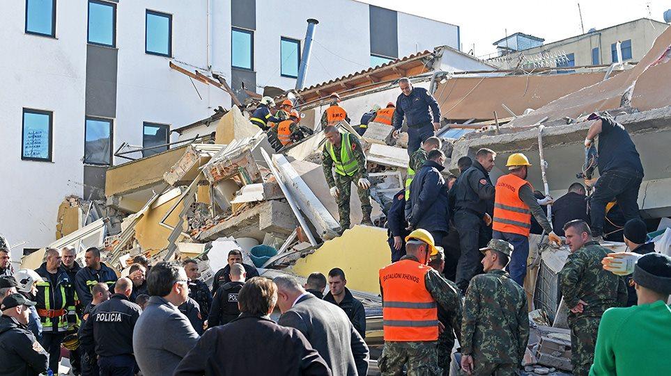 Φονικός σεισμός στην Αλβανία: Στους 15 οι νεκροί - Αγωνία για τους εγκλωβισμένους στα συντρίμμια