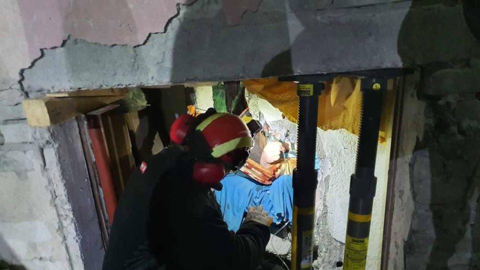 Σεισμός στην Αλβανία: Η ΕΜΑΚ στη μάχη για τη σωτηρία εγκλωβισμένων στα ερείπια (ΦΩΤΟ-VIDEO)