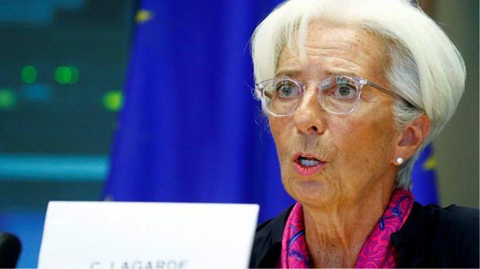 Κριστίν Λαγκάρντ προς Αθήνα: Μην βάζετε άλλα εμπόδια στις συναλλαγές με μετρητά