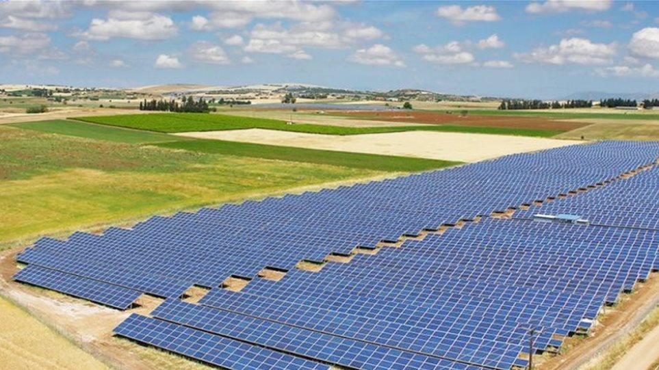 Αγροτικά φωτοβολταϊκά: Στο 75% η πώληση ρεύματος στη ΔΕΗ