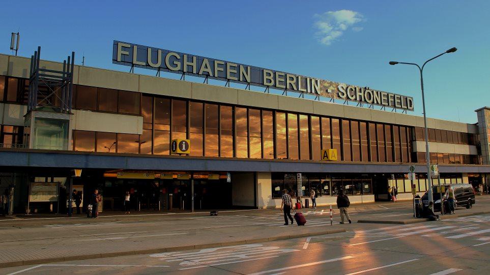 FLUGHAFEN_SCHONEFELD_BERLIN_GERMANY_JUNE_2013__9025967808_