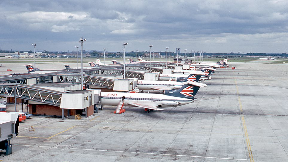 London_Heathrow_Airport__1971_geograph-3211752-by-Ben-Brooksbank