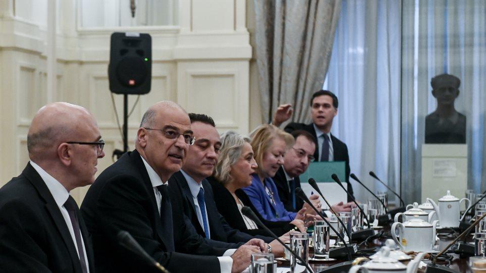 Ελληνοτουρκικά: Με εθνική σύμπνοια και στήριξη από ΗΠΑ και ΕΕ συνεχίζει η Αθήνα