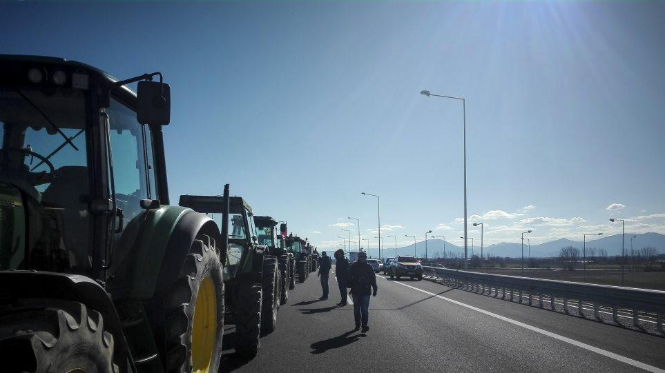 Το Υπουργείο Αγροτικής Ανάπτυξης διαψεύδει την επιβολή τελών κυκλοφορίας στα τρακτέρ