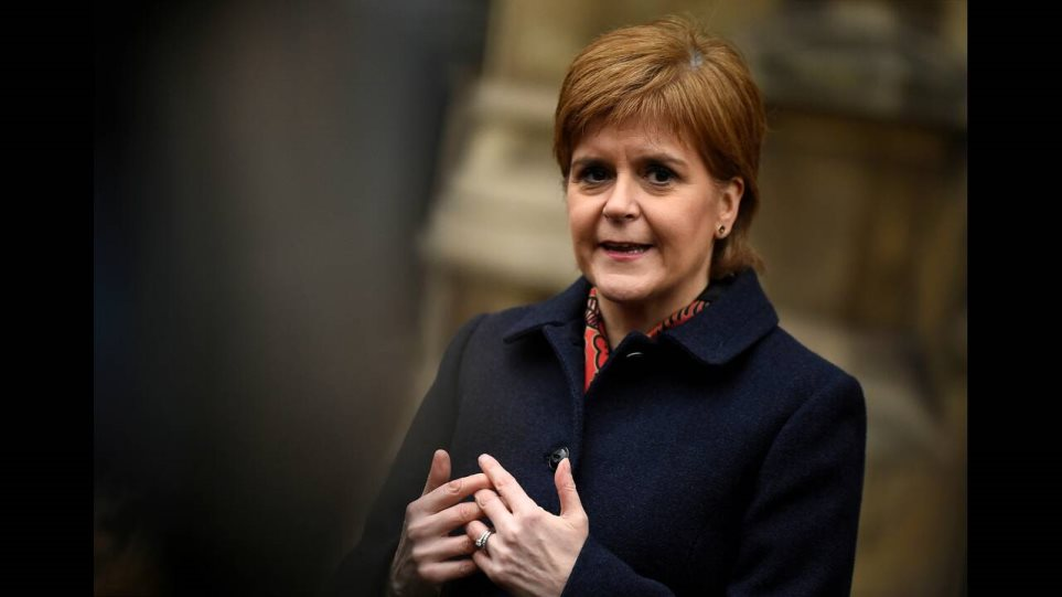 Νίκολα Στέρτζον: Ο Τζόνσον δεν μπορεί να κρατήσει τη Σκωτία στο Ηνωμένο Βασίλειο παρά τη θέλησή της
