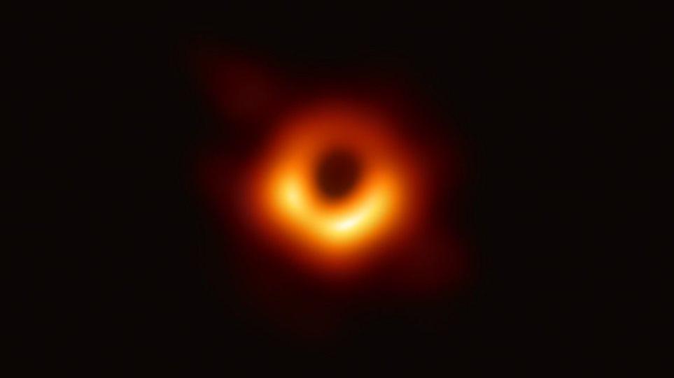 Η φωτογράφηση μαύρης τρύπας υπήρξε το σημαντικότερο επιστημονικό επίτευγμα του 2019 σύμφωνα με το «Science»