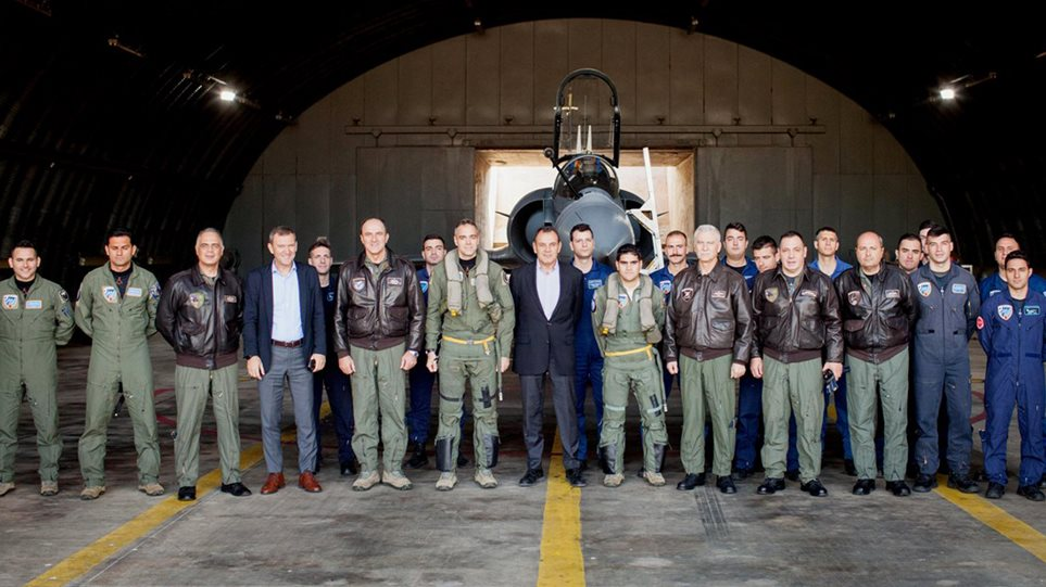 Παναγιωτόπουλος: Επίσκεψη σε μονάδες επιφυλακής - Ψέμα ότι ο προϋπολογισμός για την Άμυνα είναι μειωμένος
