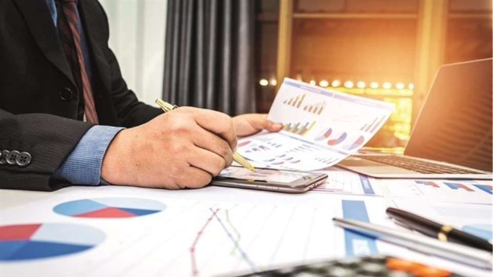 ΤτΕ: Πρόσθετη ανάπτυξη έως 2,5% με φοροελαφρύνσεις στις επιχειρήσεις