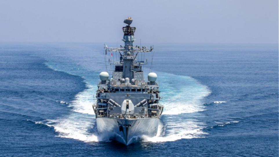 Στον Περσικό δύο βρετανικά πολεμικά πλοία