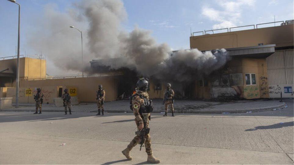Χτυπήθηκε με ρουκέτες η πρεσβεία των ΗΠΑ στη Βαγδάτη! (Βίντεο)