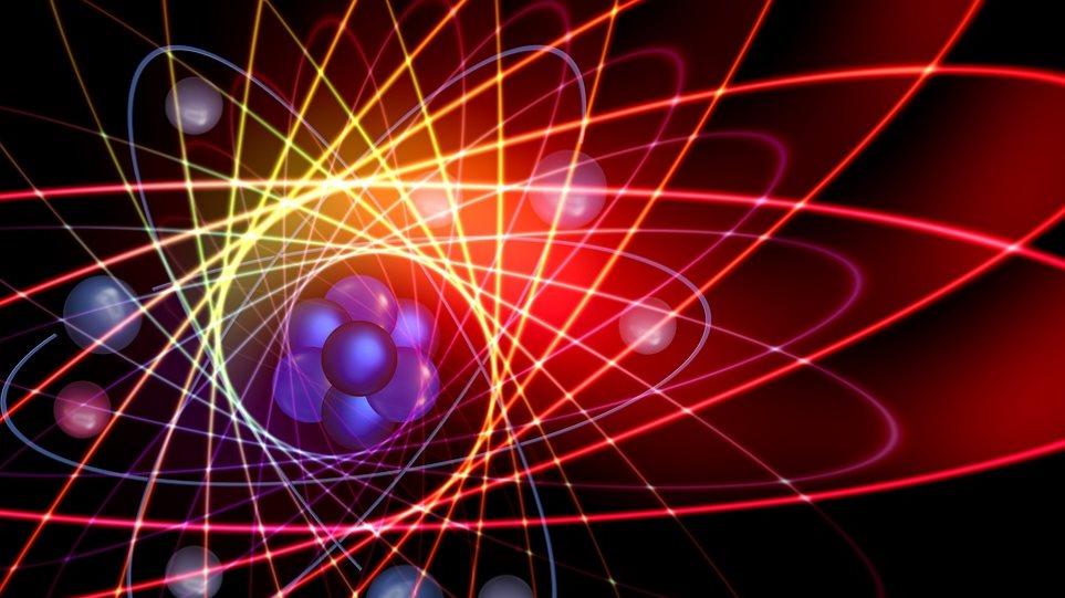 Έλληνας επιστήμονας επιχειρεί να ξαναγράψει τη Φυσική των ...