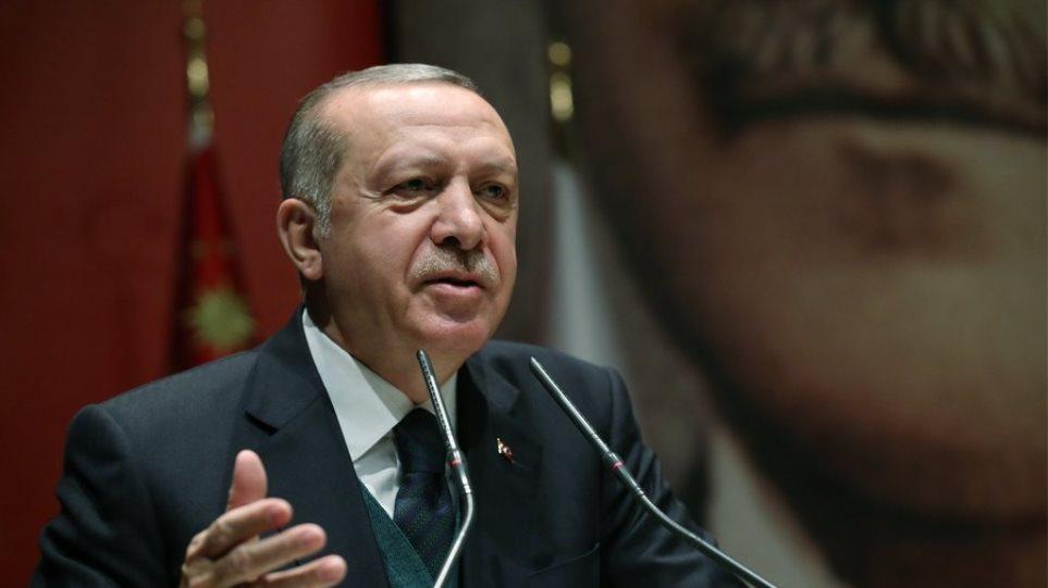 Τουρκία: Στο χαμηλότερο επίπεδο των τελευταίων 17 ετών τα ποσοστά του κόμματος του Ερντογάν
