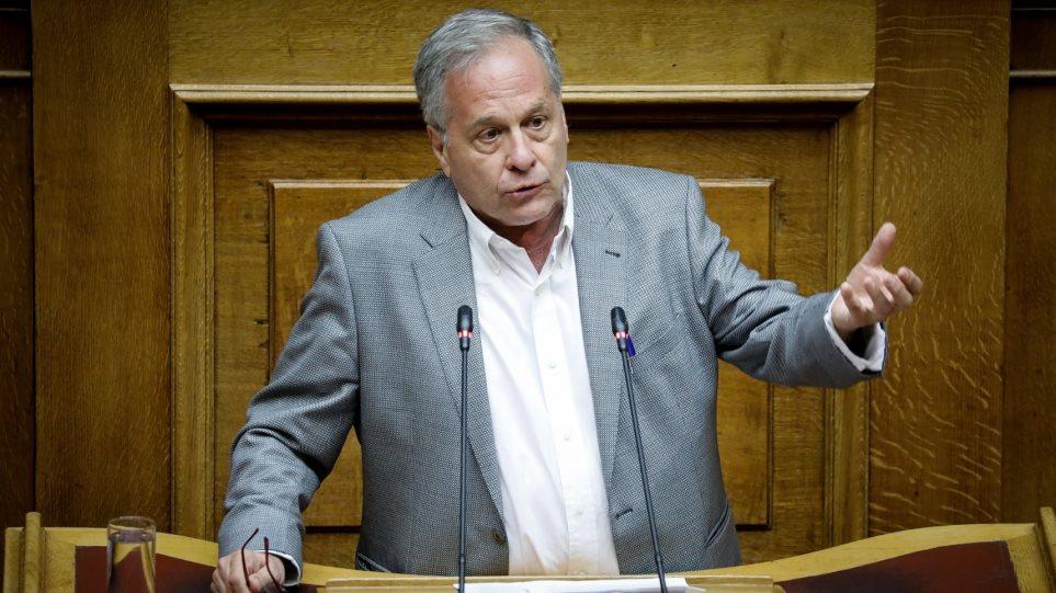 Κώστας Μάρκου (ΣΥΡΙΖΑ) για τον «τοξοβόλο» του Συντάγματος: «Σιγά τον εγκληματία»!