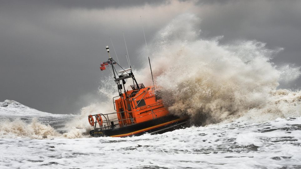Βρετανία: Σε πορτοκαλί συναγερμό μέρος της χώρας λόγω της καταιγίδας «Κιάρα»