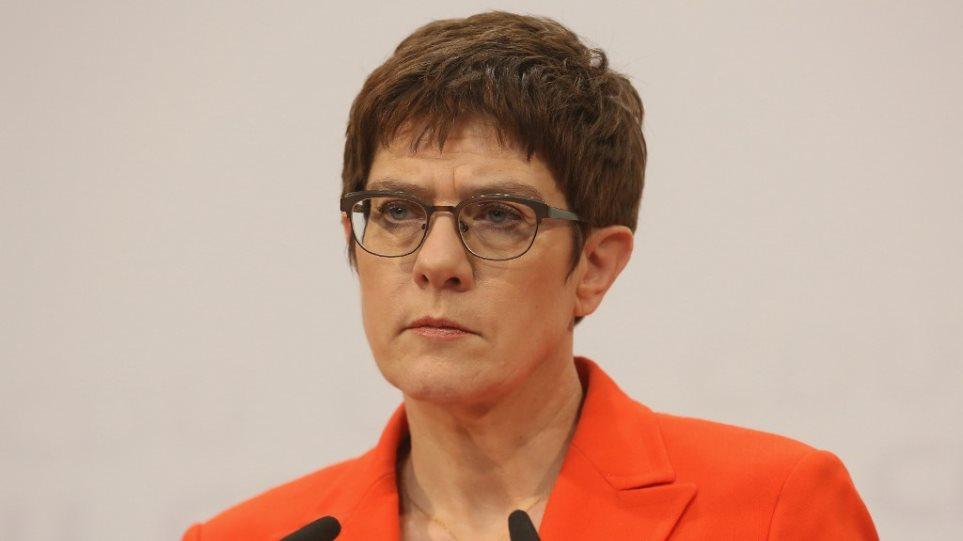 Δεν θα είναι υποψήφια για την καγκελαρία η Ανεγκρετ Κραμπ-Καρενμπάουερ