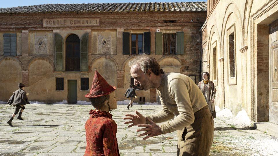 Ο Ρομπέρτο Μπενίνι γίνεται Τζεπέτο στην ταινία «Πινόκιο»