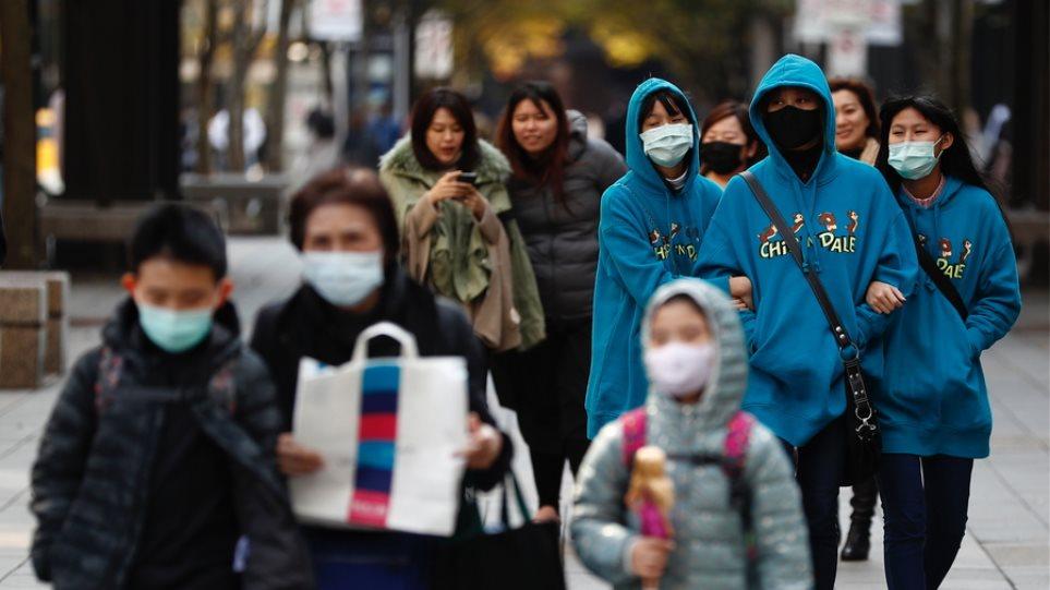 Κορωνοϊός: Το 80% ασθενούν ήπια, λένε οι Κινέζοι - 98 νέοι θάνατοι σε ένα 24ωρο