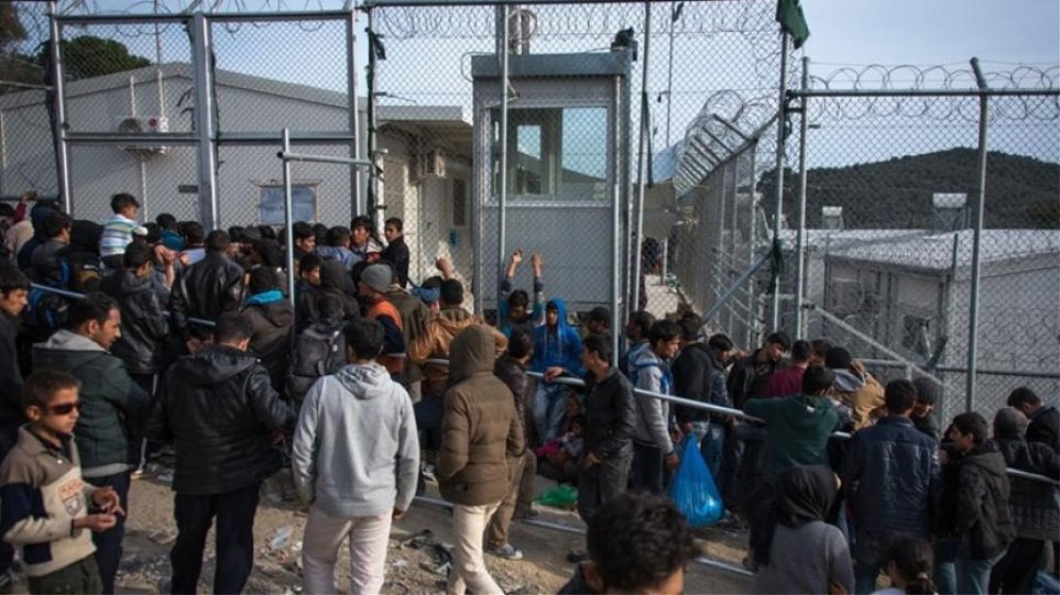 «Le Figaro»: Η Ελλάδα σφίγγει τη μεταναστευτική της πολιτική