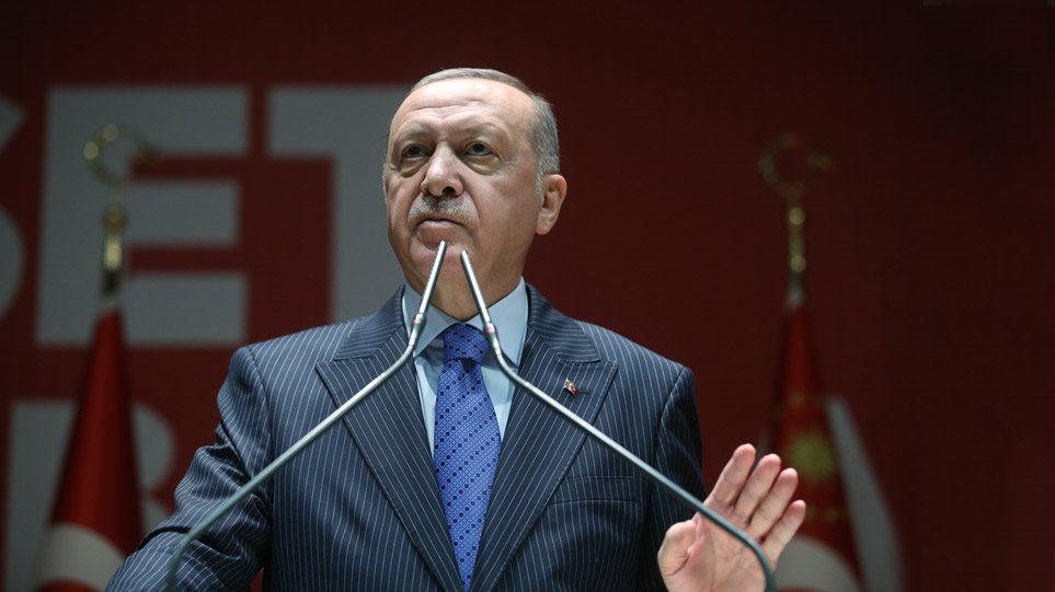 """Ο Ερντογάν δηλώνει: """"Πάρτε τους πρόσφυγες, μαζί με €100 εκατ. - Μέχρι 30.000 μπορεί να περάσουν σήμερα τα σύνορα"""""""