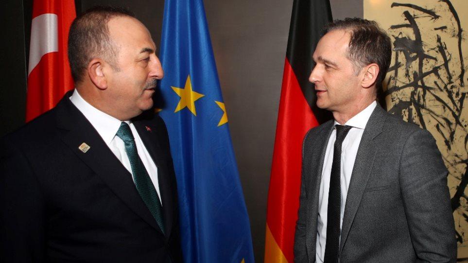 Ο Τσαβούσογλου έστησε «καυγά» με τον Γερμανό ΥΠΕΞ στο Twitter για την εργαλειοποίηση των μεταναστών