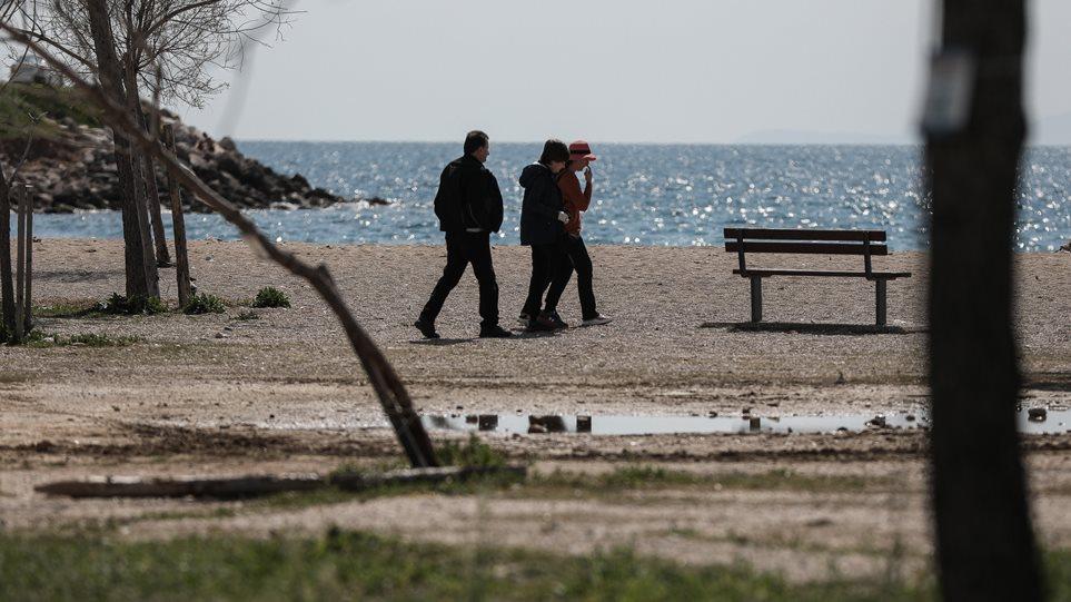 paralia-beach-apagoreush-forbiden-ios-koronaios-coronavirus-arthrou