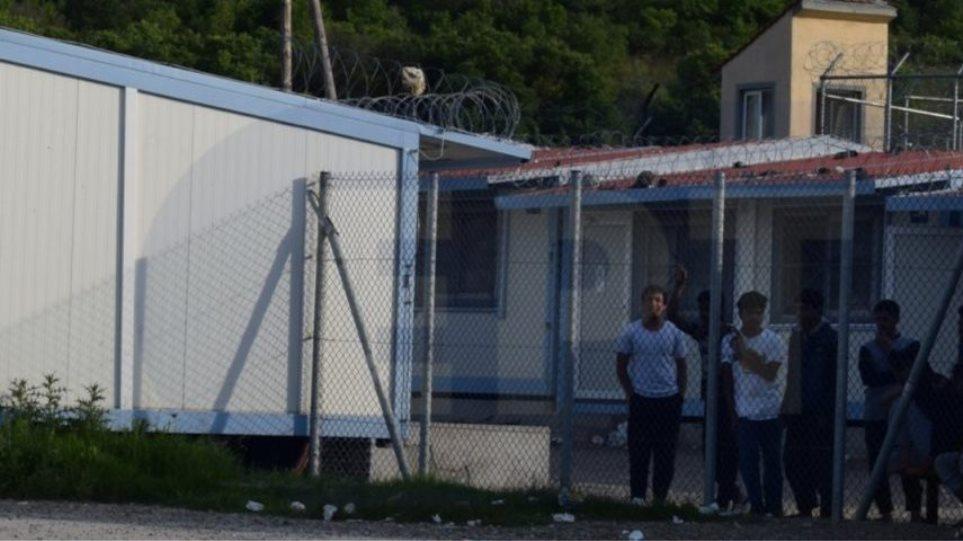 Μεταναστευτικό: Εξέγερση μεταναστών στο Κέντρο Υποδοχής και ...