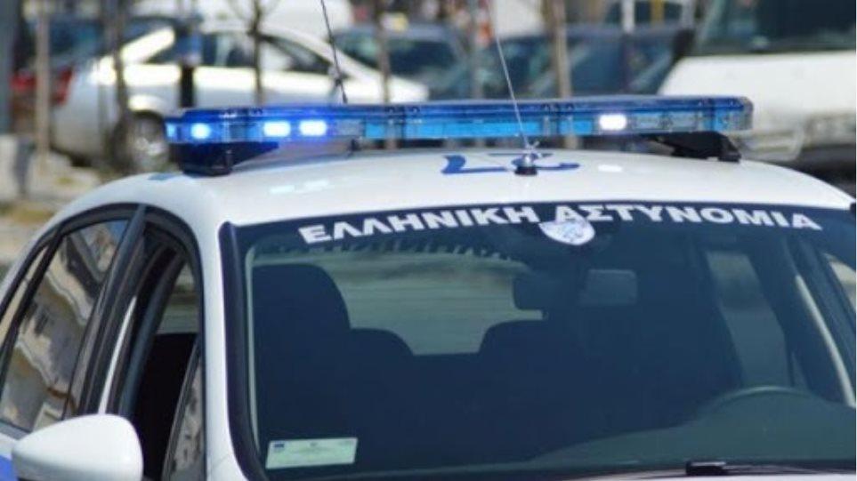 Συμπλοκές σε Βάρκιζα, Αργυρούπολη - Πέταξαν πέτρες σε λεωφορείο και αστυνομικούς