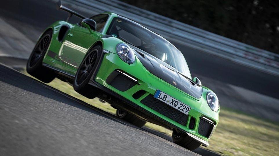 200521130151_Porsche-chariatis1000c