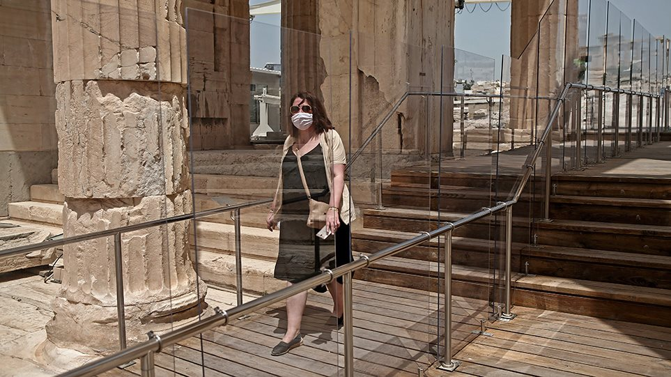 ellada-akropoli-koronoios-arthro