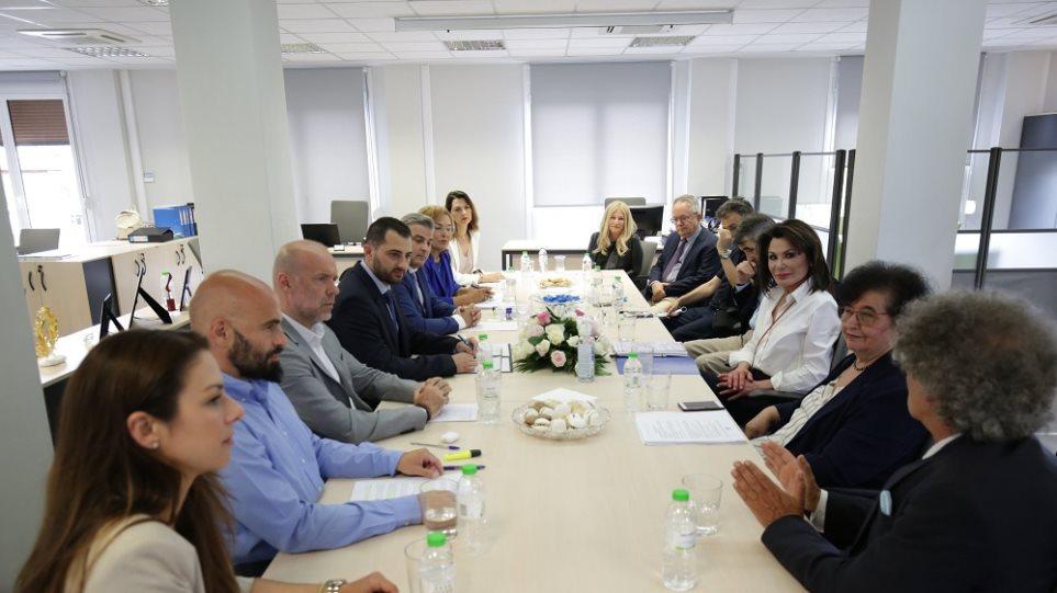Ελλάδα 2021»: Επίσκεψη της Γιάννας Αγγελοπούλου στη Λαμία