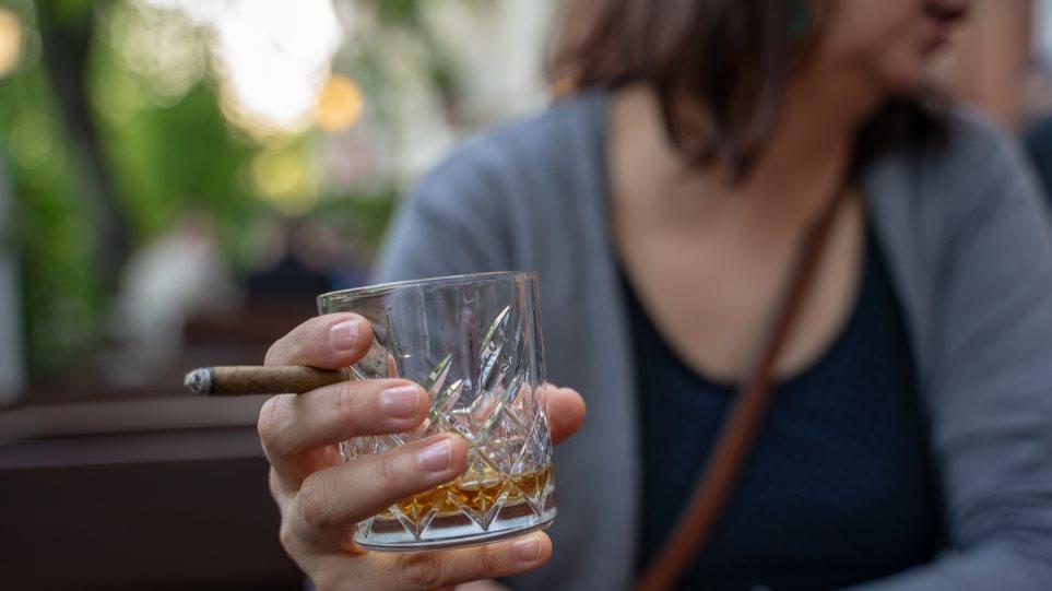 whiskey-smoking