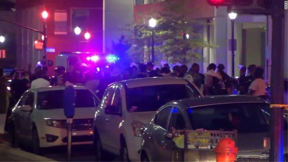 Διαδηλώσεις στις ΗΠΑ: Ένας νεκρός σε επεισόδιο με πυροβολισμούς σε πάρκο του Κεντάκι